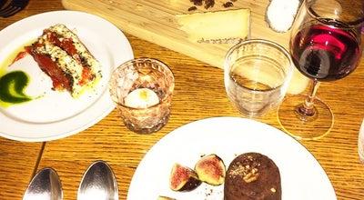 Photo of French Restaurant Le Petit Matieu at 55 Rue Des Vinaigriers, Paris 75010, France