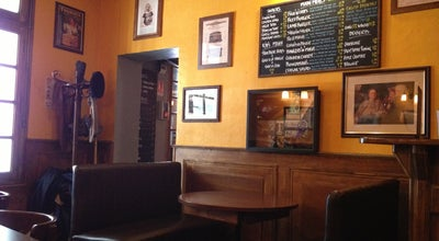 Photo of Pub Beehive at Rue De La Fontaine, Montpellier 34000, France