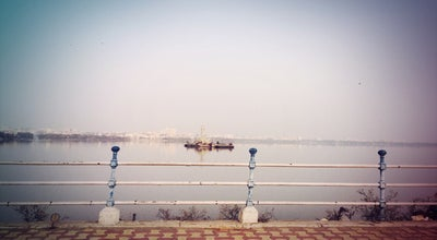 Photo of Lake hussain sagar lake at Tank Bund Road, Hyderabad, India