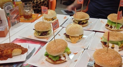 Photo of Burger Joint Johnnie Special Burger at Cls 210 Bl. B, Lj. 18, Brasília, Brazil