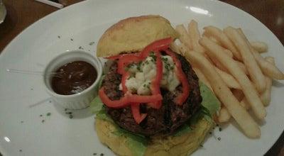 Photo of Burger Joint Hand Gourmet at Rua Aracajú, 150, Timbó 89120-000, Brazil