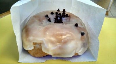 Photo of Donut Shop Stan's Doughnuts at 658 N Moorpark Rd, Thousand Oaks, CA 91360, United States