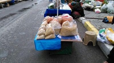 Photo of Farmers Market Cumartesi Pazarı at Karesi, Turkey