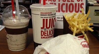 Photo of Burger Joint Smashburger at 2755 Dagny Way, Lafayette, CO 80026, United States