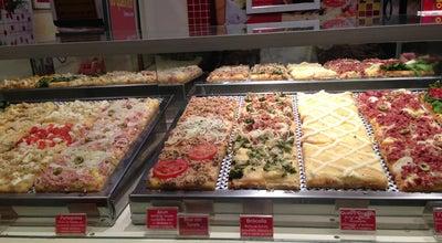Photo of Pizza Place Pizza ao Quadrado at Av. Macedo Soares, 193, Campos do Jordão 12460-000, Brazil