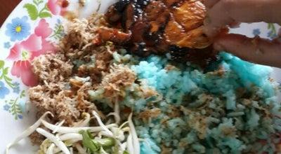 Photo of Breakfast Spot Che Ani Nasi Kerabu at Kampung Dusun Kudus, Kuala Terengganu, Malaysia