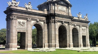 Photo of Monument / Landmark Puerta de Alcala at Plaza De La Independencia, 1, Madrid 28001 Madr, Spain