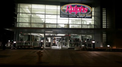 Photo of Grocery Store Ralphs at 14049 Ventura Blvd, Sherman Oaks, CA 91423, United States