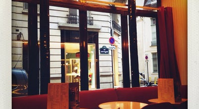 Photo of French Restaurant Cafe Bar le Basile at 34 Rue De Grenelle, Paris 75007, France