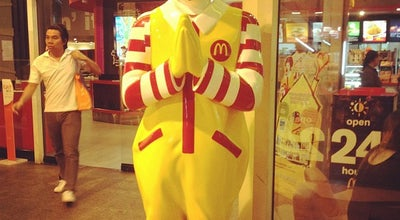 Photo of Fast Food Restaurant McDonald's at Ploenchit Center, Khlong Toei 10110, Thailand