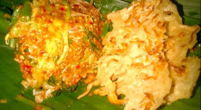 Photo of Indonesian Restaurant Nasi Pecel Bu Darmo at Jl. Banjaran Gg I No. 115, Kediri, Indonesia