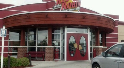 Photo of Burger Joint Red Robin Gourmet Burgers at 905 International Dr, Wilmington, NC 28405, United States