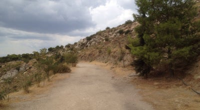 Photo of Trail Μονοπάτι Υμηττού - Ymittos Path at Kareas, Greece