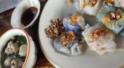 Photo of Asian Restaurant ก๋วยเตี๋ยวปากหม้อทางโค้ง at ไผ่ล้อม, Thailand