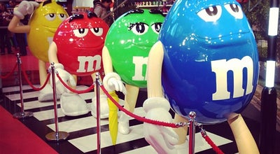 Photo of Candy Store M&M's World at 1 Swiss Ct, London WC2H 7DG, United Kingdom