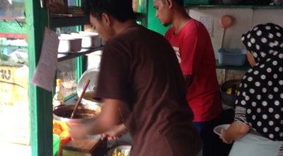 Photo of Breakfast Spot Kupat Tahu Lontong Kari Cicendo (sejak 1967) at Gg. Polisi, Bandung 40175, Indonesia