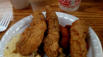 Photo of BBQ Joint Smithfield's Chicken 'N Bar-B-Q at 402 Plaza Dr, Laurinburg, NC 28352, United States