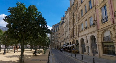 Photo of Monument / Landmark Place Dauphine at Paris, France