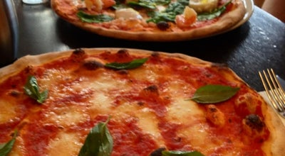 Photo of Pizza Place La Favorita at 325-331 Leith Walk, Edinburgh EH6 8SA, United Kingdom