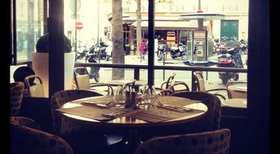 Photo of French Restaurant l'Arc Café at 27 Avenue Carnot, Paris 75017, France