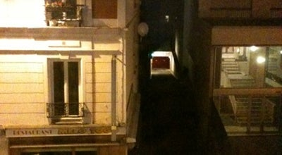 Photo of Hotel Comfort Hotel Lamarck at 147 Rue Marcadet, Paris 75018, France
