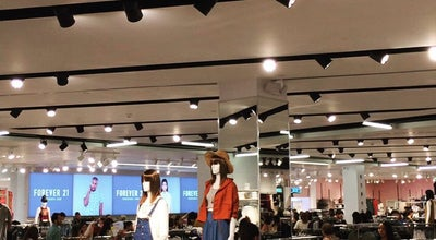 Photo of Clothing Store Forever 21 at 677 Rue Sainte-catherine Ouest, Montreal, Qu H3A 3T2, Canada