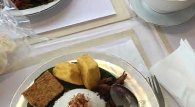 Photo of Vegetarian / Vegan Restaurant wh vegetarian at Ruko Flourite No. 78, Gading Serpong, Indonesia