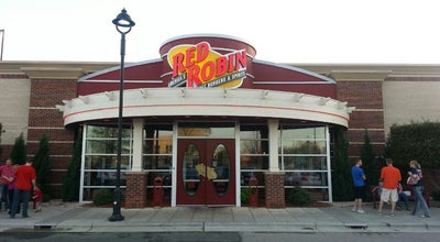 Photo of Burger Joint Red Robin Gourmet Burgers at 7860 Alexander Promenade Pl, Raleigh, NC 27617, United States