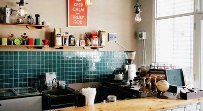 Photo of Coffee Shop Ekuator Coffeenery at Jalan Banyak Niaga Kulon 18, Kota Baru Parahyangan, Bandung Barat, East Java, Indonesia