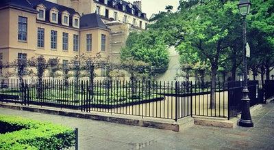 Photo of Park Square Saint-Gilles Grand Veneur - Pauline-Roland at Rue De Hesse, Paris 75003, France