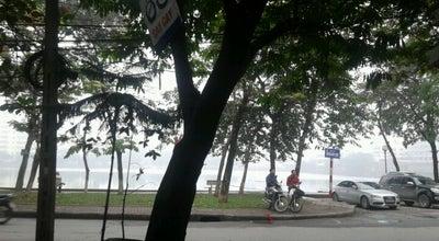 Photo of Lake Hồ Giảng Võ (Giang Vo Lake) at Trần Huy Liệu, Ba Đình, Vietnam