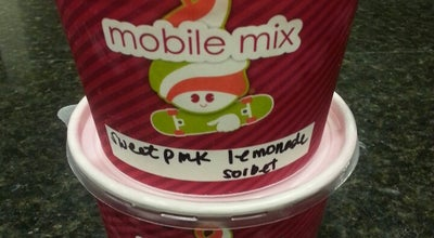 Photo of Restaurant Menchies Frozen Yogurt at 1888 W 11th St, Tracy, CA 95376, United States