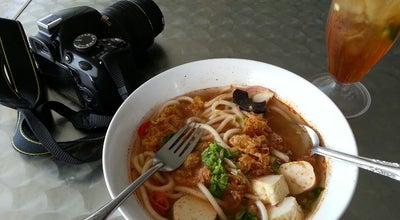 Photo of Malaysian Restaurant Laksa Pak Ngah at Belakang Smjk(c) Tsung Wah, Kuala Kangsar Malaysia, Malaysia