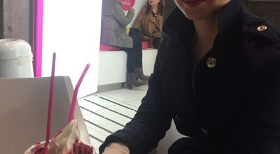 Photo of Ice Cream Shop smöoy frozen yogurt at C/ Arenal, 7, Madrid 28013, Spain