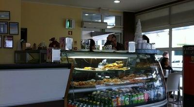 Photo of Cafe Caffé Latte at Rua Armando Cortez, 1, Paço de Arcos, Portugal