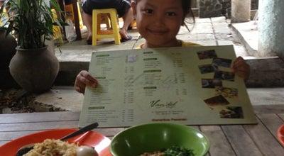 Photo of Breakfast Spot Bubur Ayam Mang H. Oyo at Jl. Sulanjana No. 30, Bandung, Indonesia