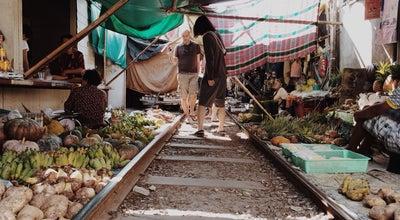 Photo of Arcade ท่ารถตู้แม่กลอง-บางประแก้ว at Meaklong Market, Thailand