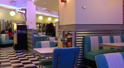 Photo of American Restaurant Blue Moon 50's Diner at Av. Da Ribeira Sacra, 50, Ourense 32002, Spain
