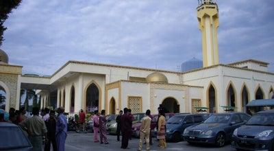 Photo of Mosque Masjid Kariah Paroi Jaya at Persiaran Merak, Taman Pinggiran Golf, Seremban 70400, Malaysia