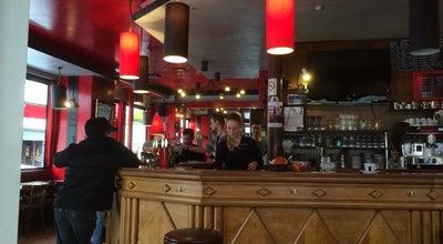 Photo of Cafe L'Avenue Café at 19 Avenue Philippe-auguste, Paris 75011, France