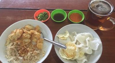 Photo of Breakfast Spot Bubur Ayam Yuyu at Jalan Batununggal Indah 4 No. 4, Bandung, Indonesia