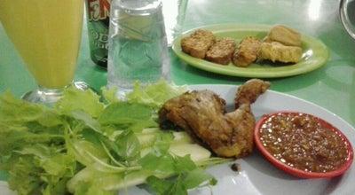 Photo of Asian Restaurant Warung Ijo at Jl. Ombak, Dumai, Indonesia
