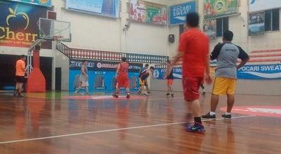 Photo of Basketball Court GOR SAMUDERA SPORT CLUB at Jl. Mesjid No.88 Medan Estate, Medan Percut Sei Tuan 20371, Indonesia