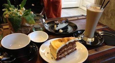 Photo of Breakfast Spot Mür Café at Pl. Cristino Martos, 2, Madrid 28015, Spain