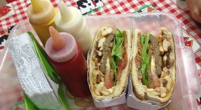 Photo of Burger Joint Dog & Cia at R. Quintino Bocaiúva, 135, Dourados 79803-030, Brazil