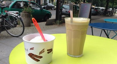Photo of Frozen Yogurt auf die hand - frozen yogurt at Veteranenstr. 16, Berlin 10119, Germany