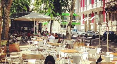 Photo of Fast Food Restaurant Hotdog Lovers at Avenida Da Liberdade, Lisbon, Portugal