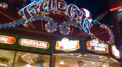 Photo of Candy Store The Fudge Factory at 4848 Clifton Hill, Niagara Falls, ON L2E 6S8, Canada
