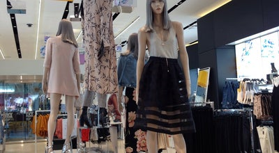 Photo of Women's Store TOPSHOP at Central Park, New York, NY 10020, United States