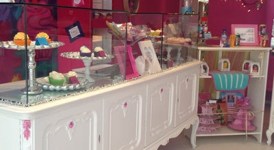 Photo of Cupcake Shop Alice In Cakeland at Van Oldenbarneveltstraat 117, Rotterdam 3012GS, Netherlands